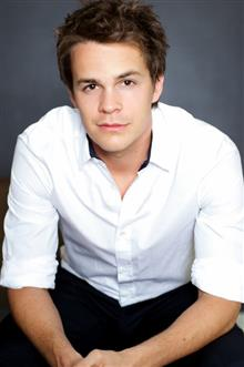 Джони Симънс / Johnny Simmons